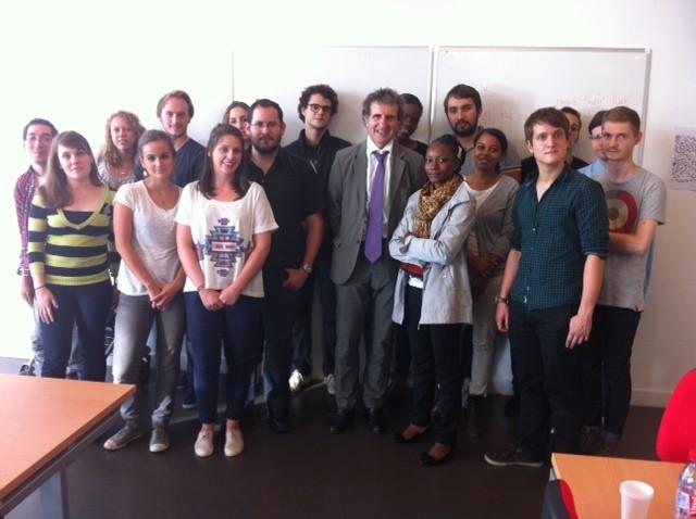Etudiants de master avec Gérard Leclerc
