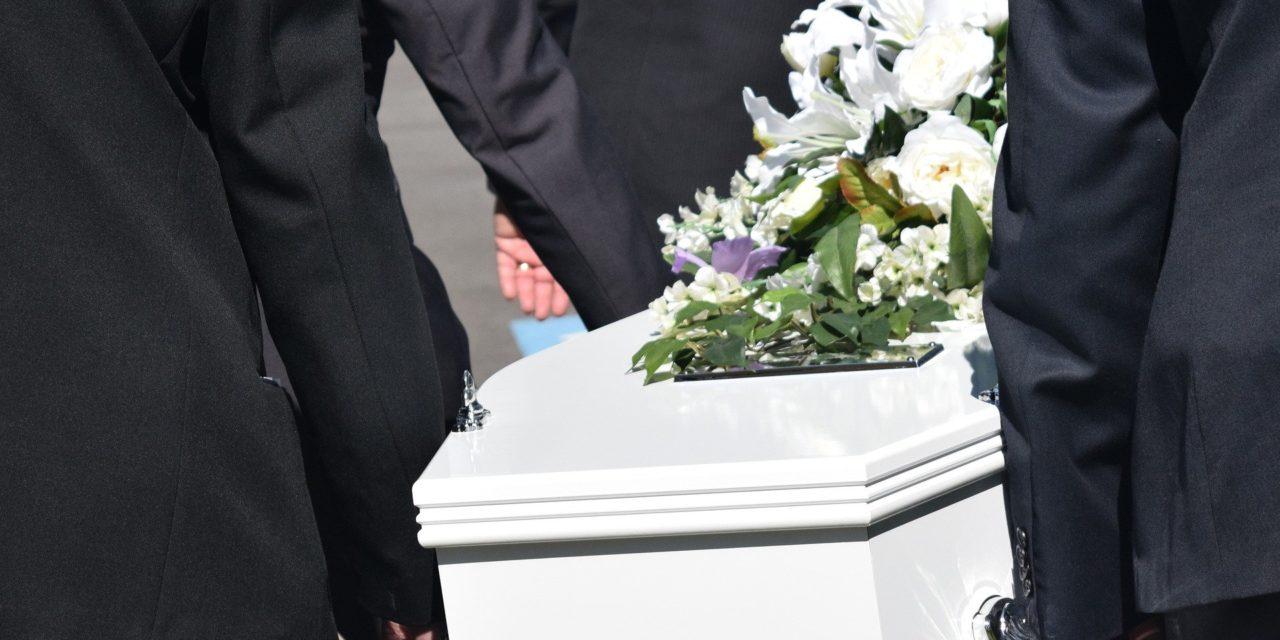 Protocole sanitaire renforcé, visioconférence… les pompes funèbres se réorganisent face au Covid-19