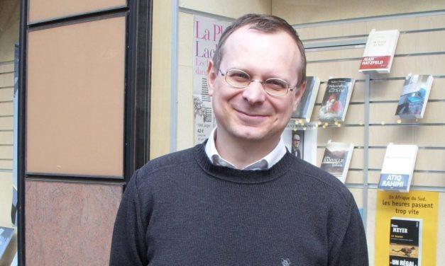 """Avec le confinement, """"on va droit dans le mur"""" : l'inquiétude de Benoît Bougerol, directeur de la Maison du livre"""