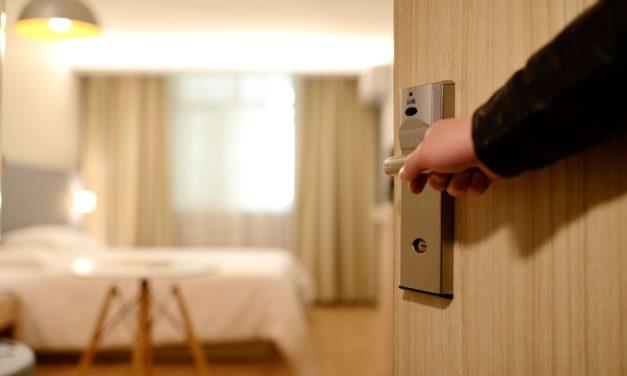 Dix mois en semi-liberté pour avoir frappé sa compagne dans un hôtel